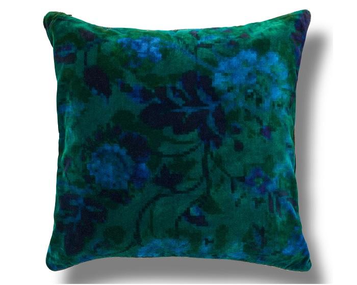 coussin bleu housse coussin sequins rversibles bleu roiargent x cm with coussin bleu trendy. Black Bedroom Furniture Sets. Home Design Ideas